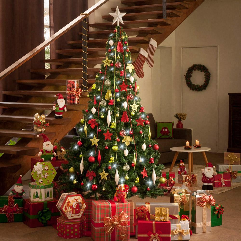 Árvores de Natal decoradas com desconto na Americanas